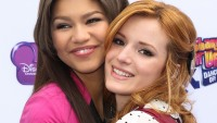 bella-thorne-and-zendaya-friends-2