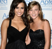 demi-lovato-and-sarah-wisely