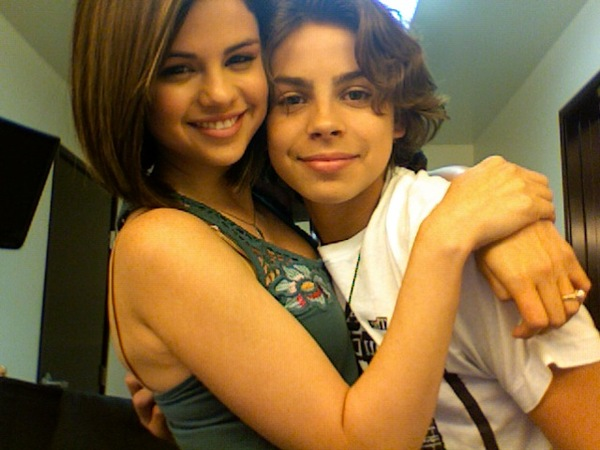 wizards-of-waverly-place-37