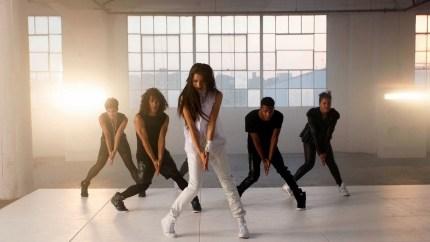 zendaya-replay-video