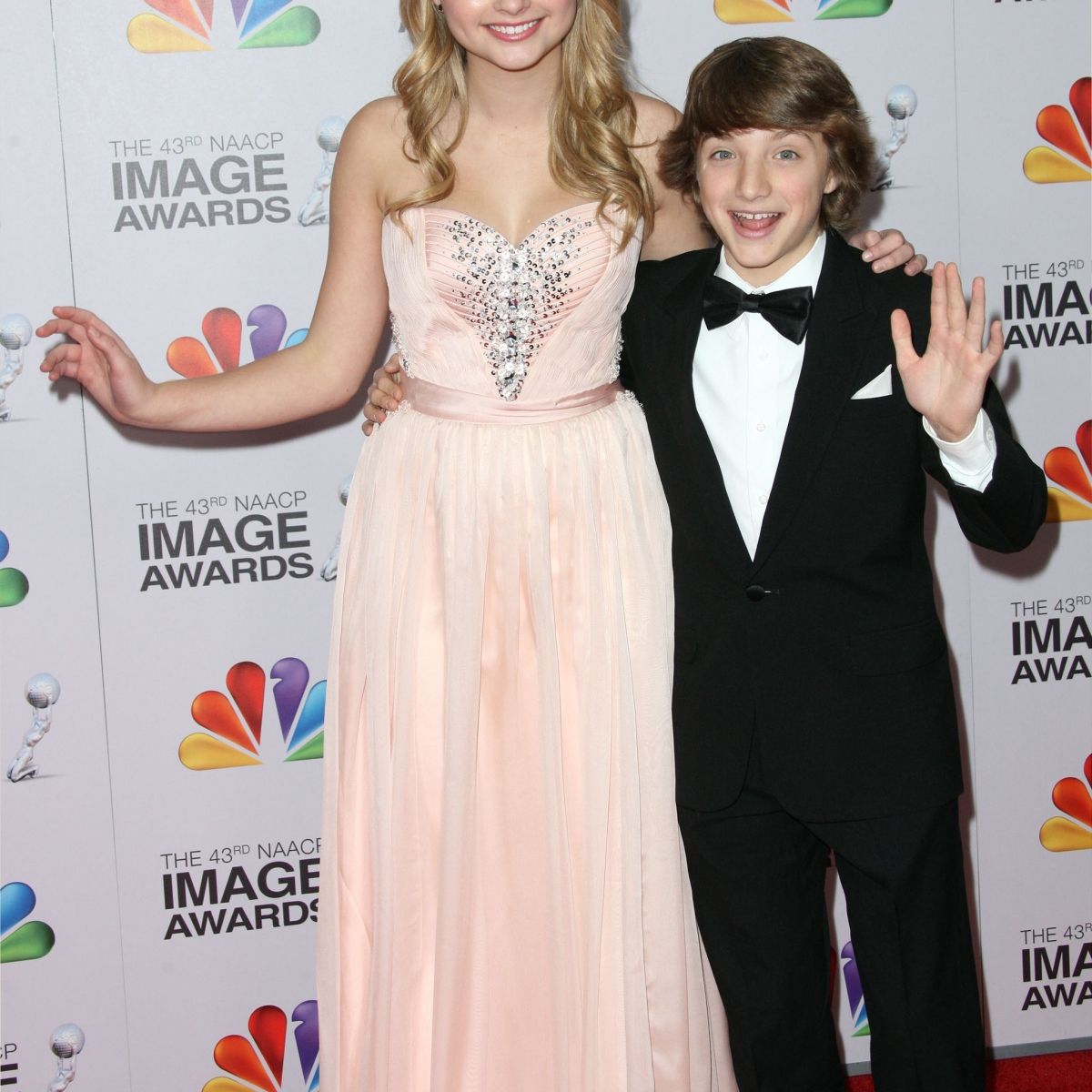 10 TV Co-Stars With Major Height Differences - J-14