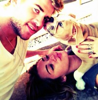 miley-cyrus-liam-hemsworth-2