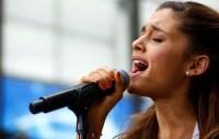 ariana-grande-singing-sad