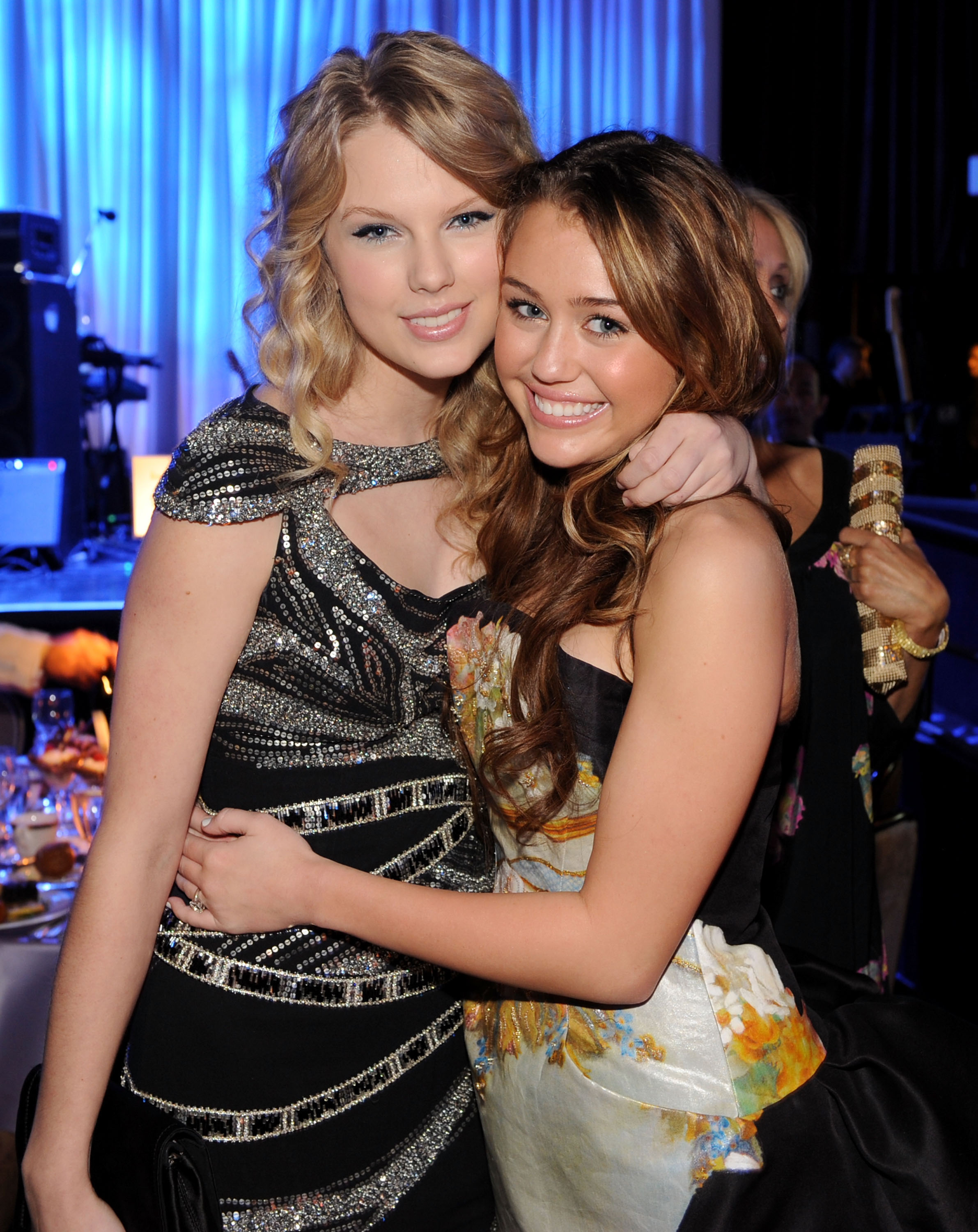 taylor-swift-miley-cyrus-2