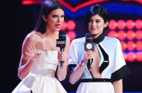 kendall-kylie-jenner-muchmusic-video-awards-main