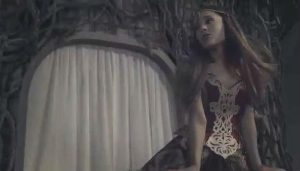 ariana-grande-chris-brown-video