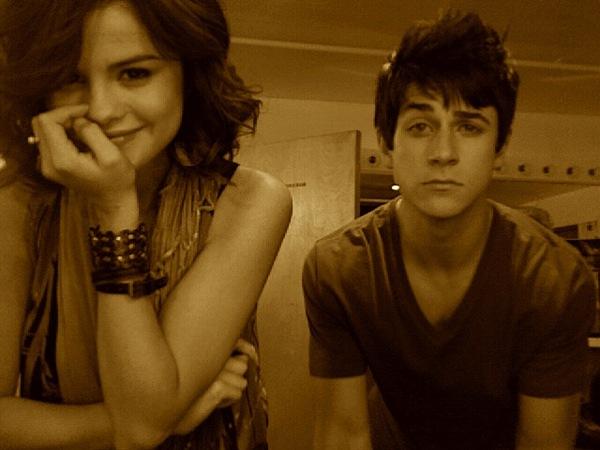 Hvem er Selena Gomez dating 2014 datingside for jagerfly