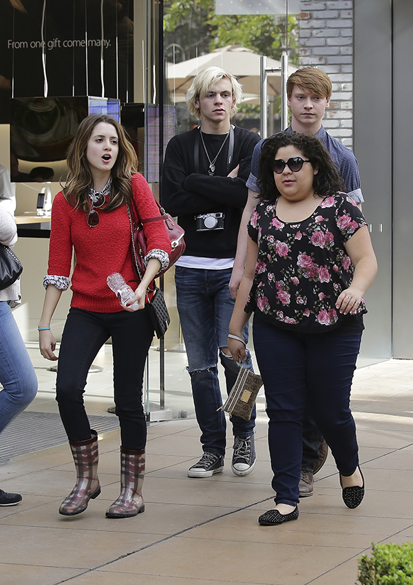 austin-and-ally-co-stars-shopping