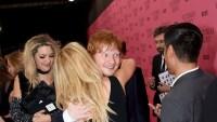 ed-sheeran-ellie-goulding-hugging