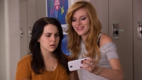 bella-thorne-mae-whitman-the-duff