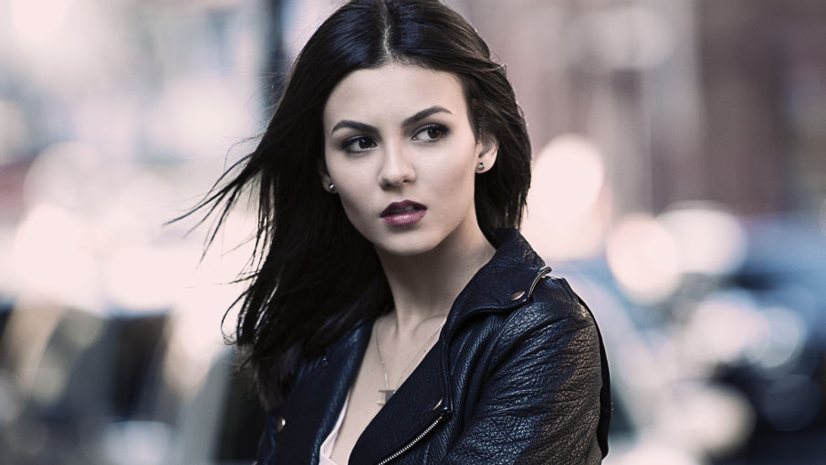 victoria-justice-mtv-eye-candy