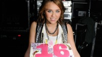 miley-cyrus-birthday-cake-main