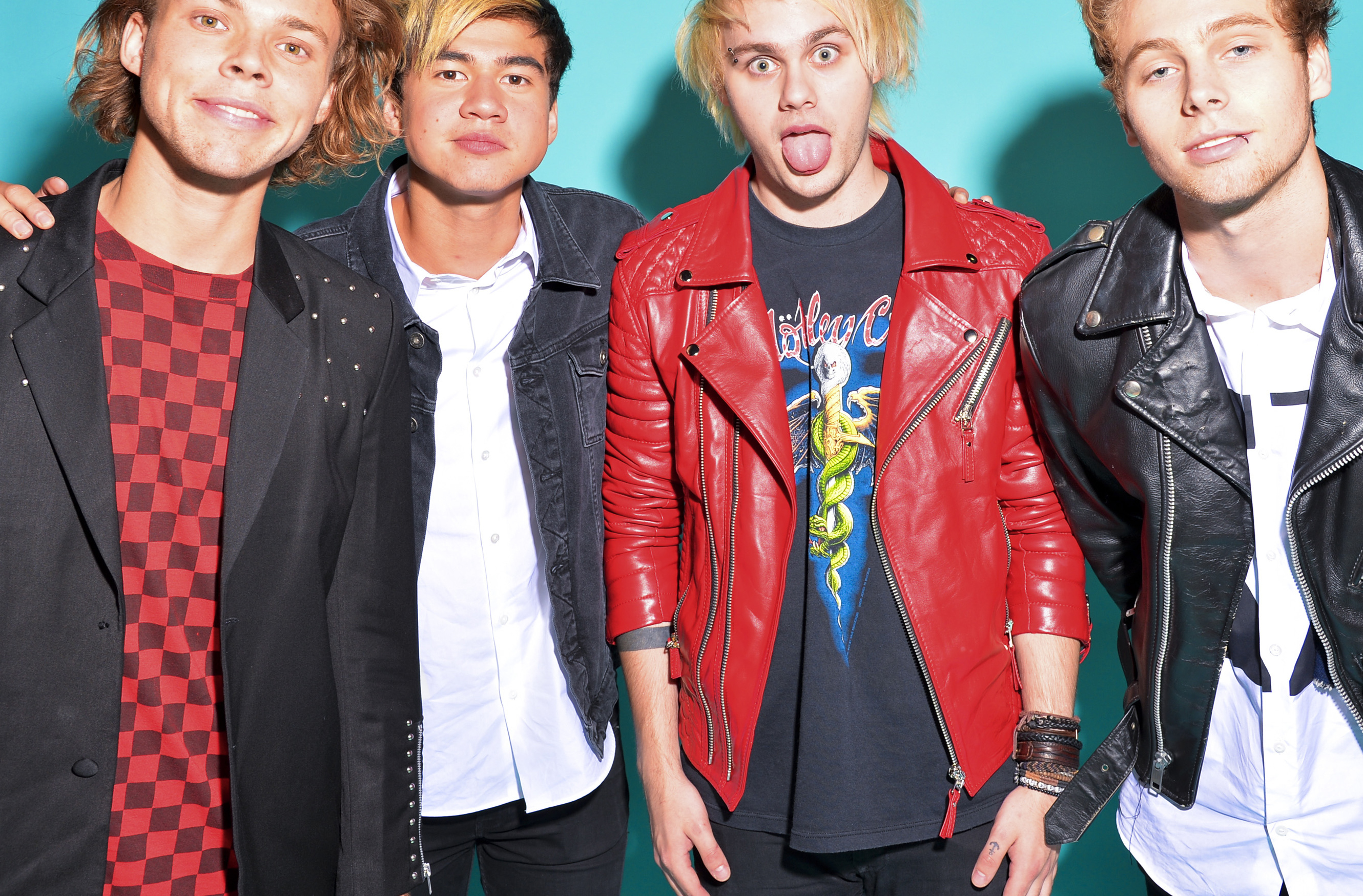 5 Seconds of Summer Forced To Change Their Logo After