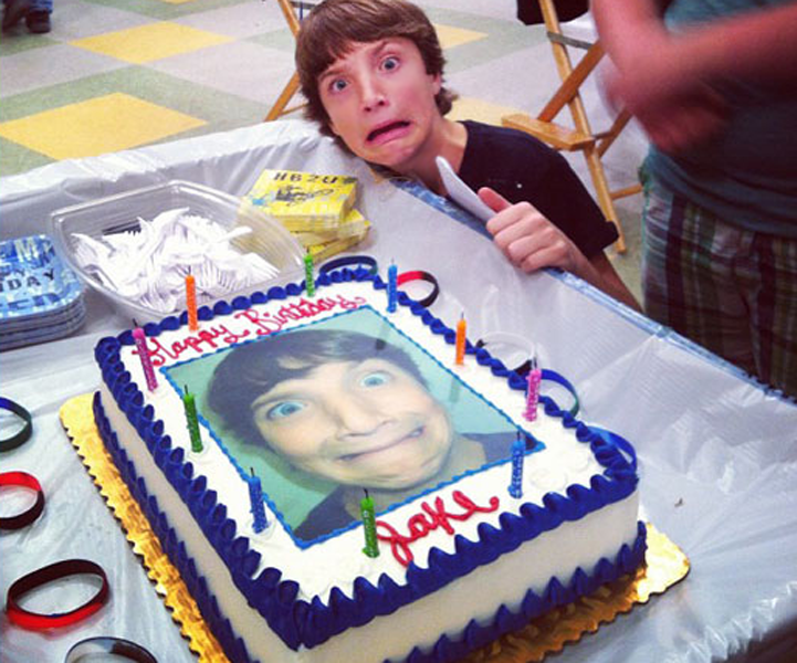8 Amazing Cakes Your Favorite Stars Had For Their 15th Birthdays