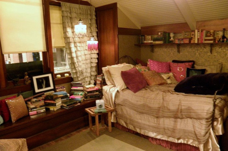 12 Tv Bedrooms You Ll Totally Fall In Love With