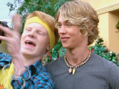 austin-butler-zeke-and-luther