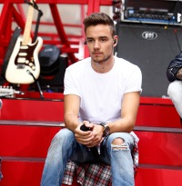 liam-payne-stage-you-and-i