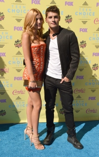teen-choice-awards-2015-bella-thorne-gregg-sulkin