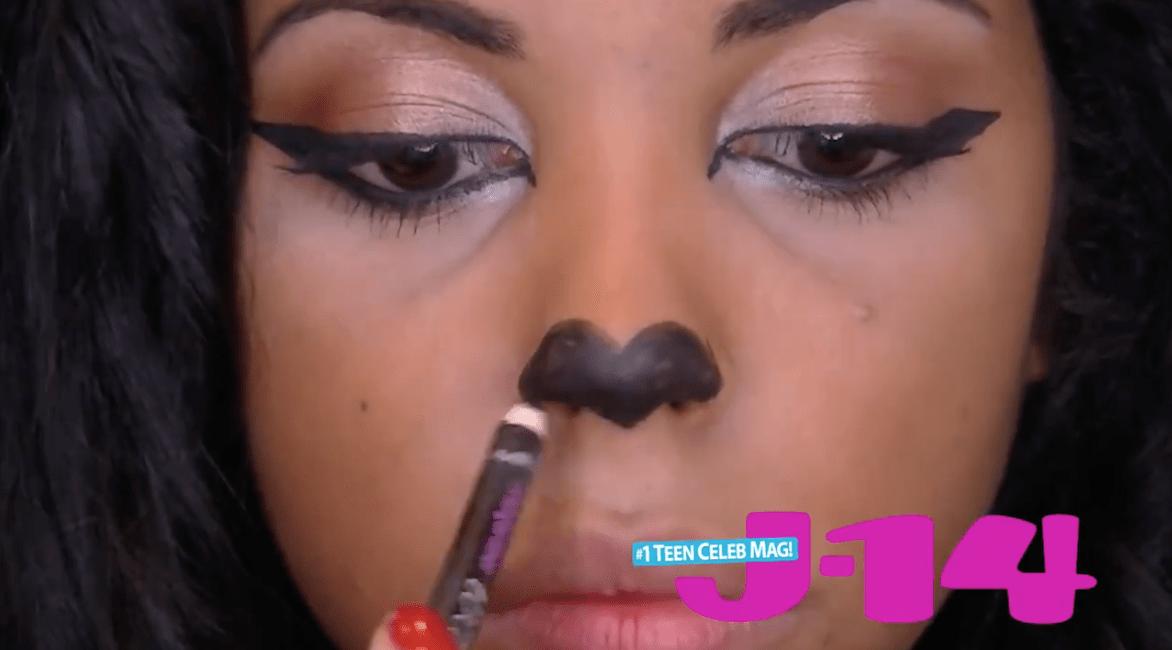 cat-halloween-makeup-black-liner-nose