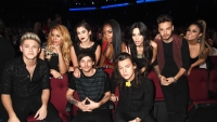 one-direction-fifth-harmony-amas-2015-3