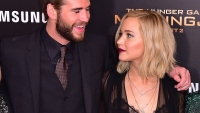 jennifer-lawrence-liam-hemsworth-kiss