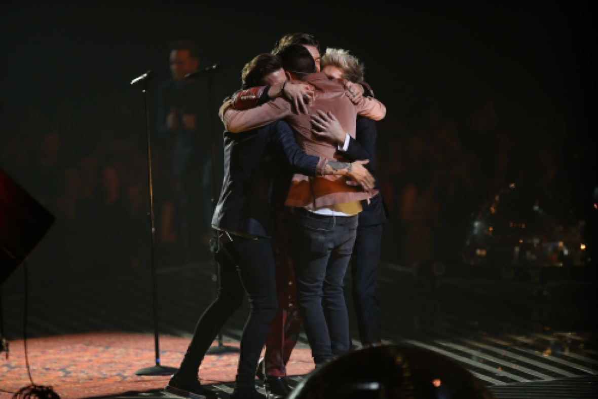 one direction group hug x factor