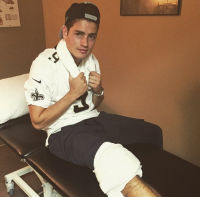 gregg-sulkin-knee-surgery