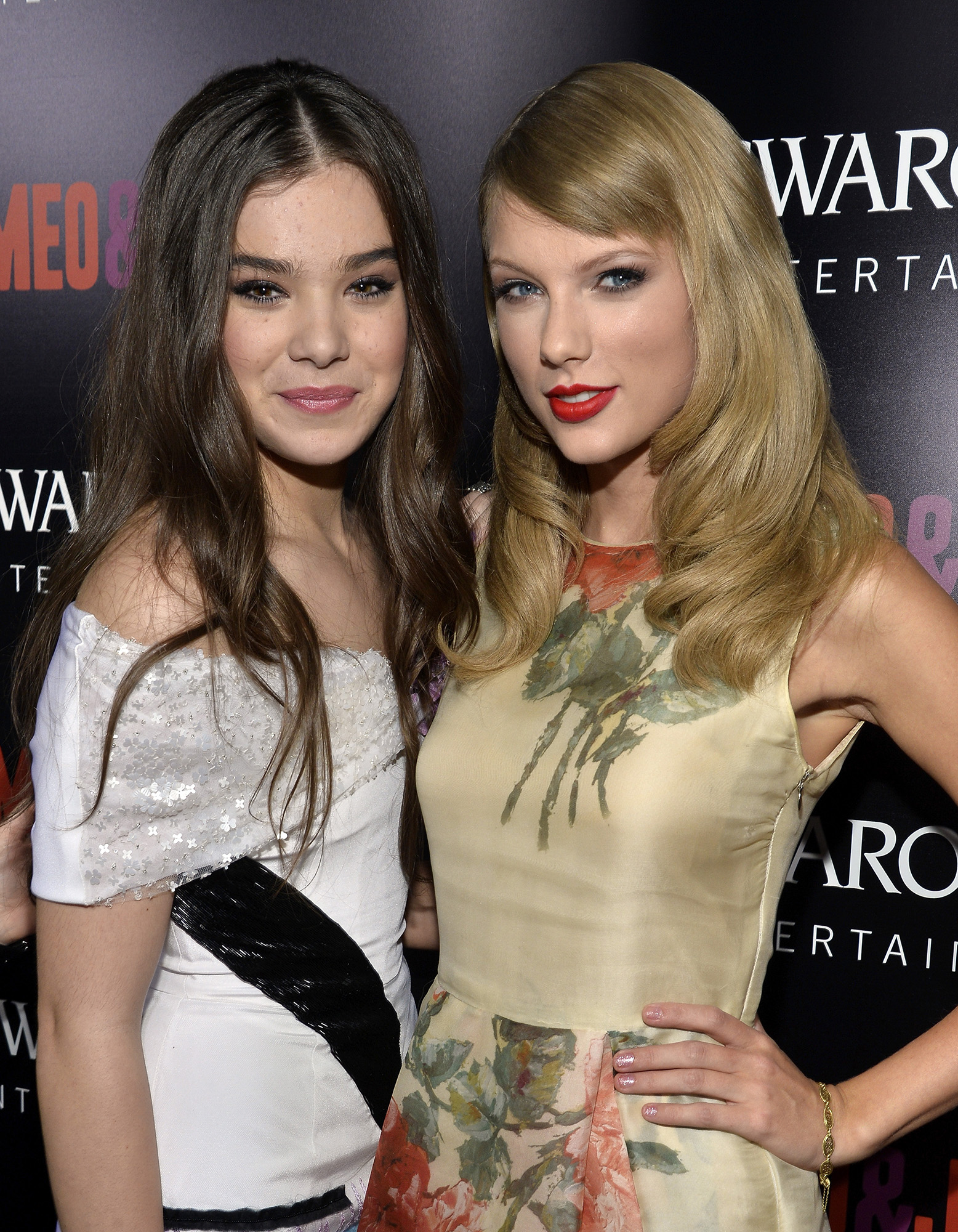 Did Hailee Steinfeld Just Throw Shade At Taylor Swift S Girl Squad
