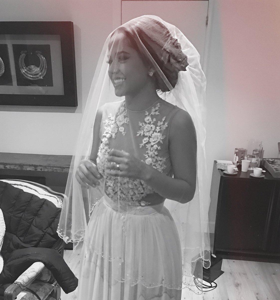 becky g wedding dress