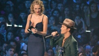 taylor-swift-and-bruno-mars