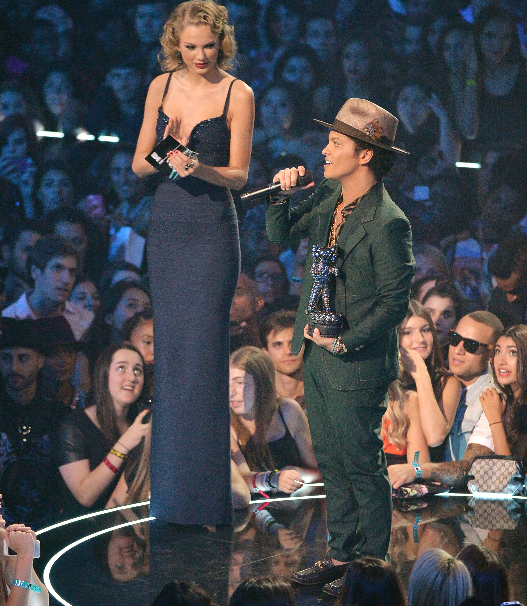 taylor-swift-and-bruno-mars.jpg?fit=2103