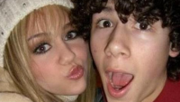 nick-jonas-miley-cyrus-first-kiss