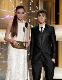 hailee-steinfeld-justin-bieber-dating-rumors