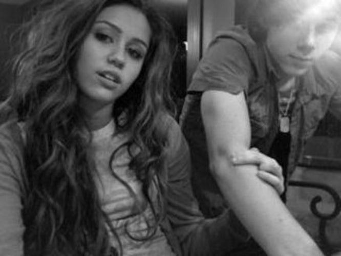 Nick Jonas And Miley Cyrus 2017