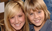 ashley-tisdale-and-cole-sprouse