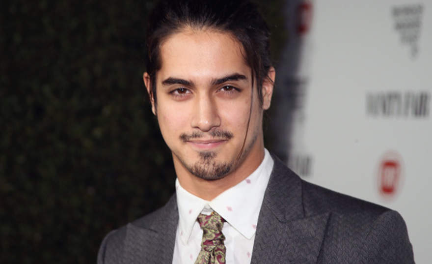 who is avan jogia dating now