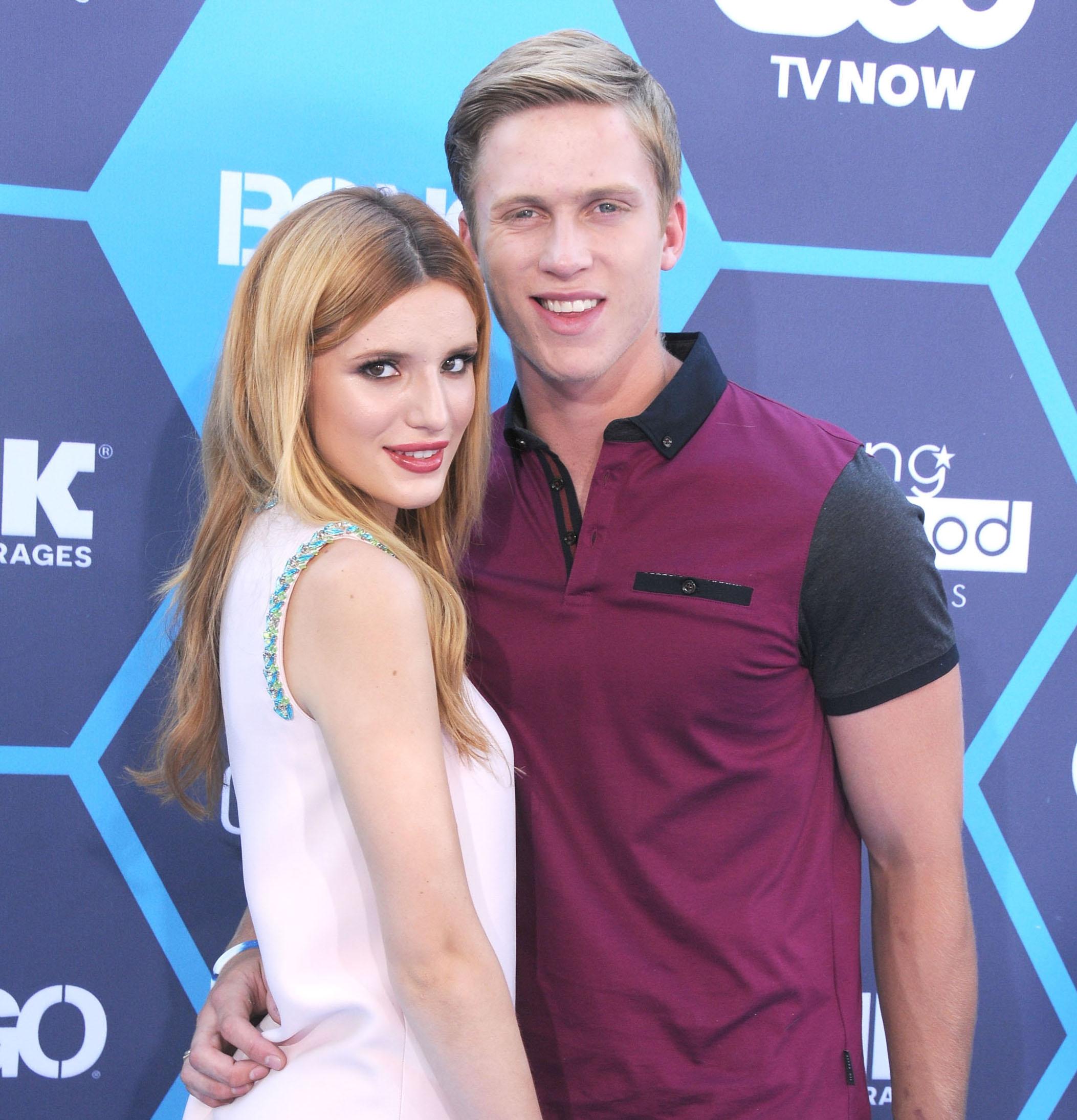 Bella Thorne dating Cody Simpson