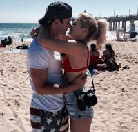 olivia-holt-kissing