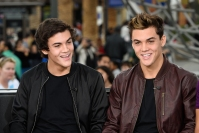 dolan-twins