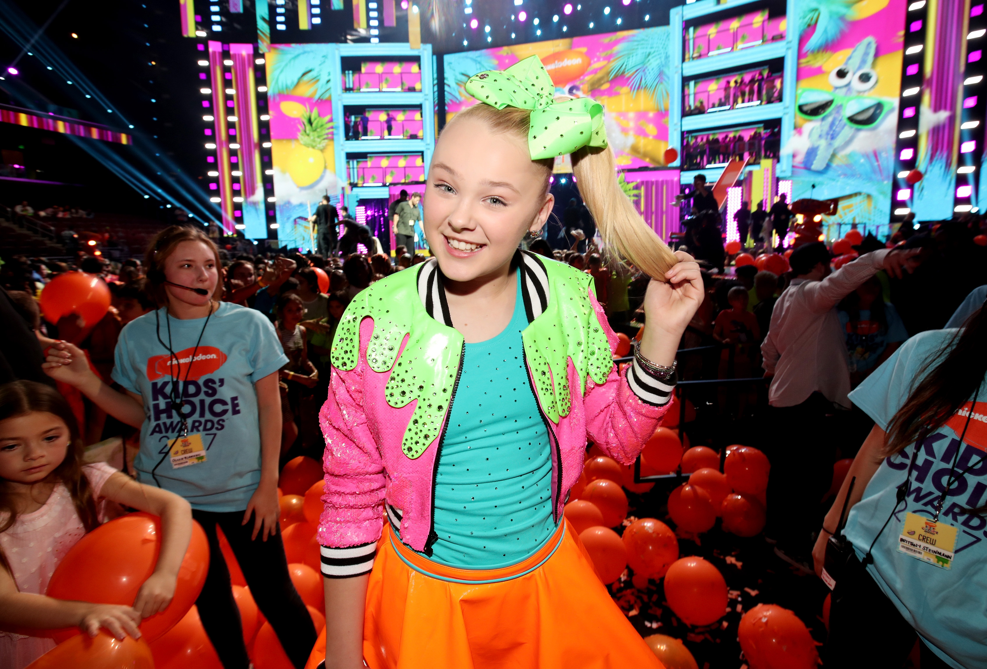 52560b9f90de ExclusiveJoJo Siwa Catches Us Up on ~Everything~ She's Been Doing Since 'Dance  Moms'