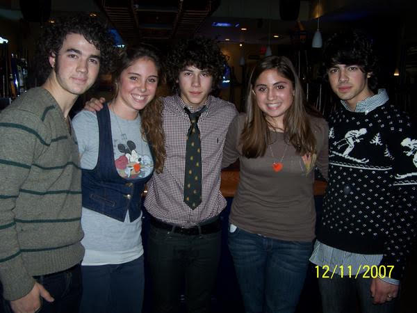 jonas brothers fans