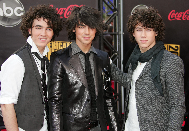 jonas-brothers-hair