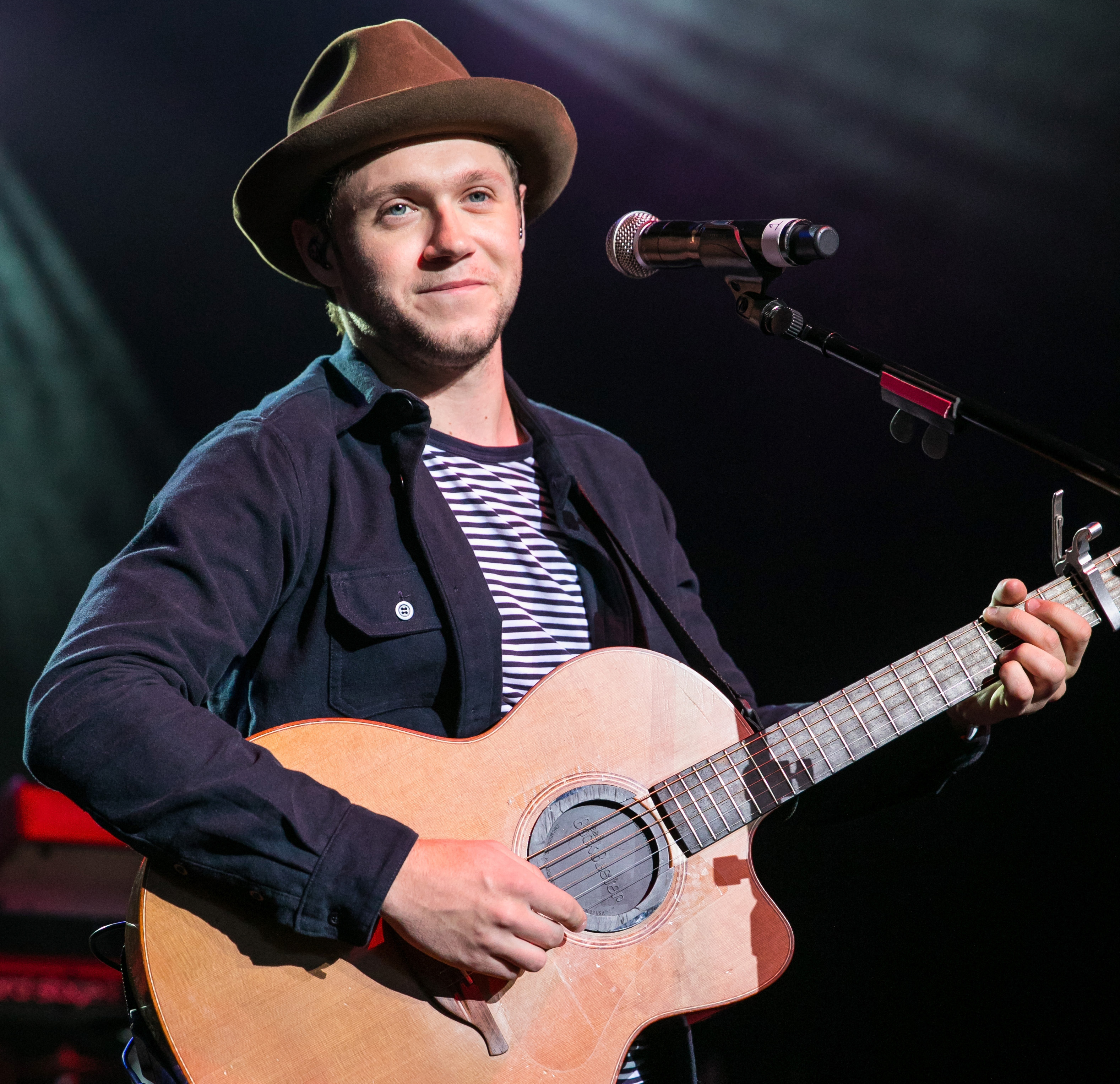 Niall Horan Plays One Direction Song During First Solo Concert