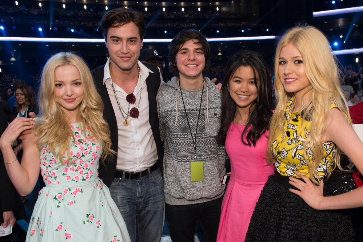 dove cameron height