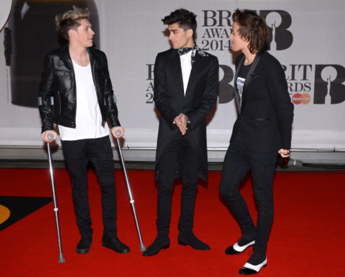 niall horan crutches brit awards
