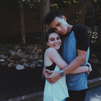jacob-whitesides-bea-miller-4