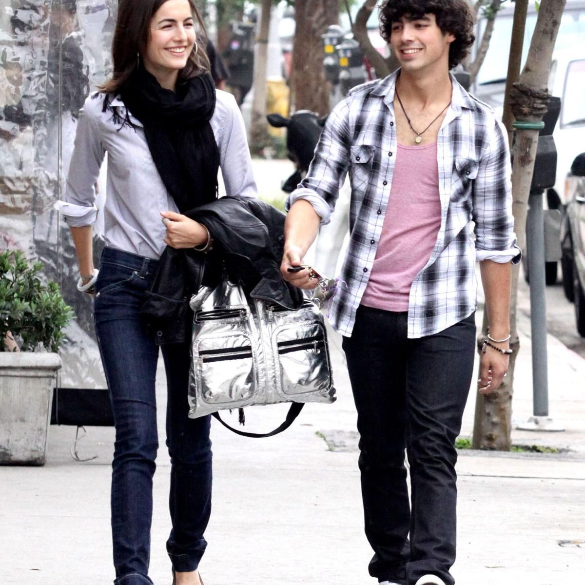Joe Jonas dating 2009