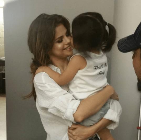 Selena Gomez Sister See Pics Of Gracie Teefey And Tori Gomez