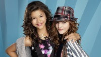zendaya-bella-thorne-shake-it-up