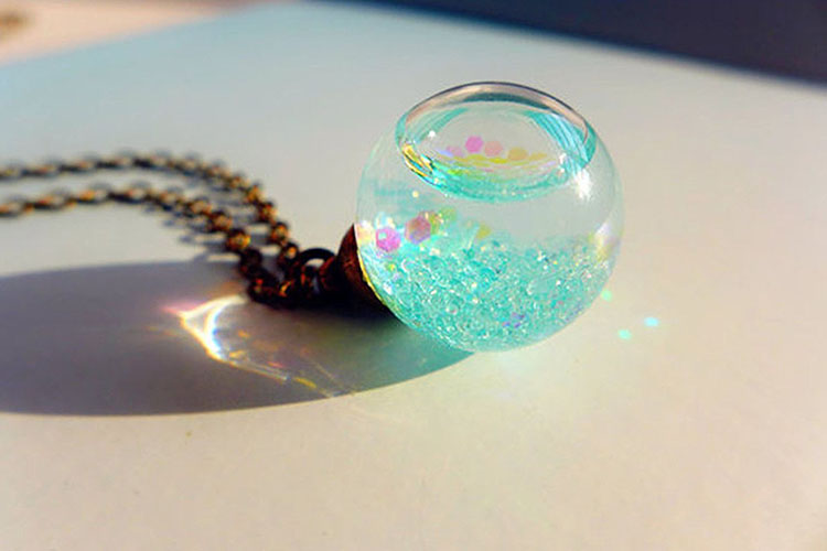 glitter necklace